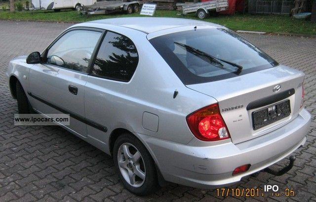 2003 hyundai accent gs car photo and specs. Black Bedroom Furniture Sets. Home Design Ideas