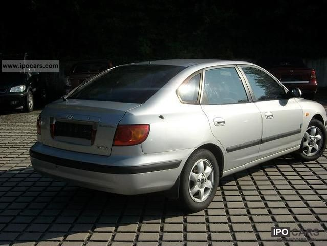 2003 Hyundai  Elantra 2.0i Limousine Used vehicle photo