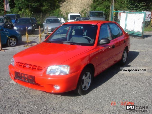 2001 Hyundai Accent - Car Photo and Specs