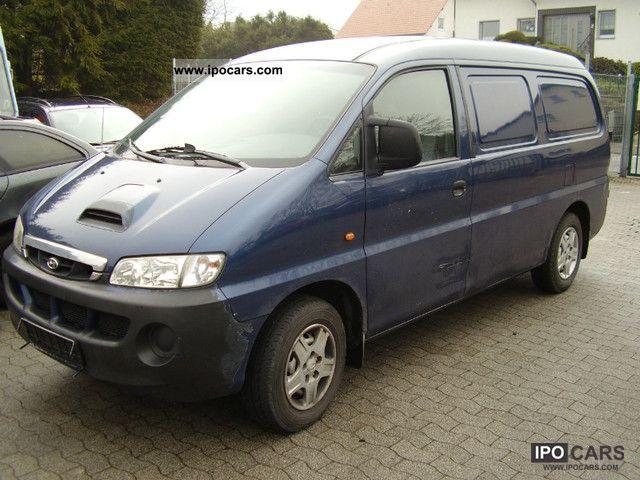2003 Hyundai  H 1 Van / Minibus Used vehicle photo