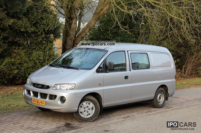 2002 Hyundai  H 200 Van / Minibus Used vehicle photo