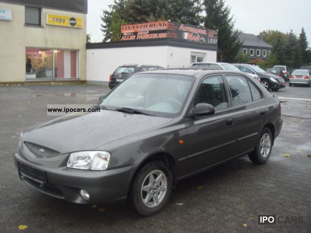 2002 Hyundai  Accent 1.3i Cup / Air Conditioning / Aluminum Limousine Used vehicle photo