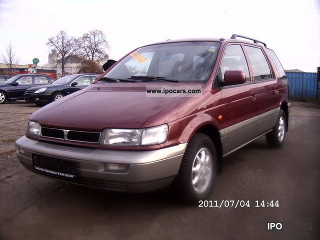 2000 Hyundai  4 x 4 Van / Minibus Used vehicle photo