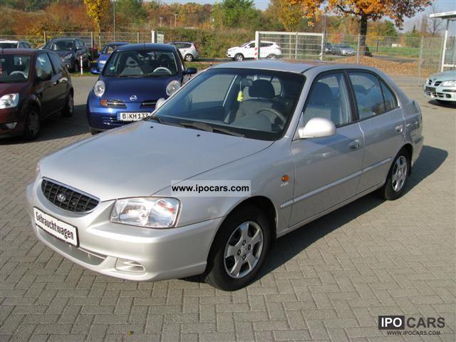 2002 Hyundai  Accent 1.5 GLS Limousine Used vehicle photo