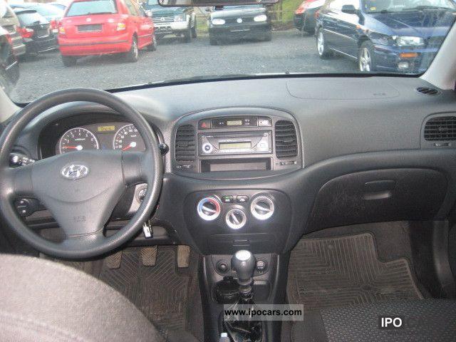 2007 hyundai accent interior
