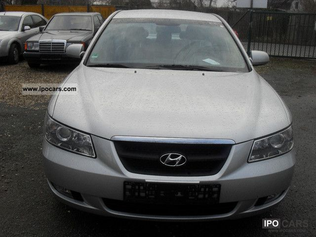 2005 Hyundai  Sonata 3.3 V6 GLS Limousine Used vehicle photo