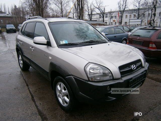 2005 Hyundai  Tucson 2.0 CRDi AT 4WD/AUTOMATIK/LEDER/KLIMA/TOP Off-road Vehicle/Pickup Truck Used vehicle photo