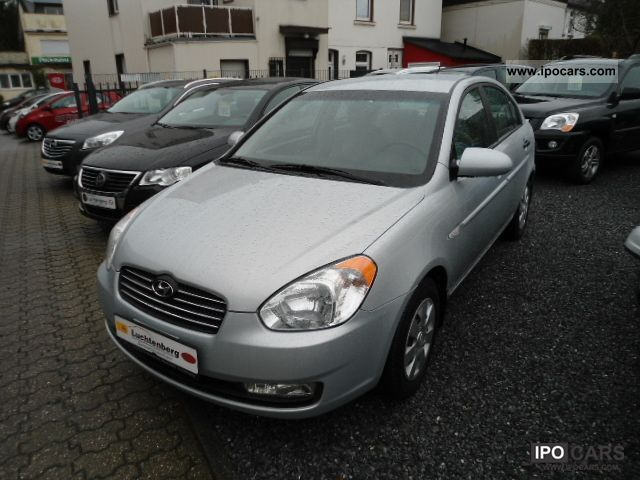 2009 Hyundai  Accent 1.4 GL including air conditioning and navigation Limousine Used vehicle photo