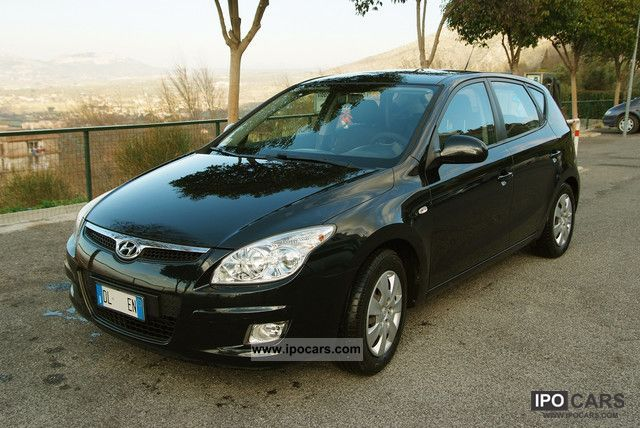 2007 Hyundai  i30 1.4 Active 109 CV Limousine Used vehicle photo