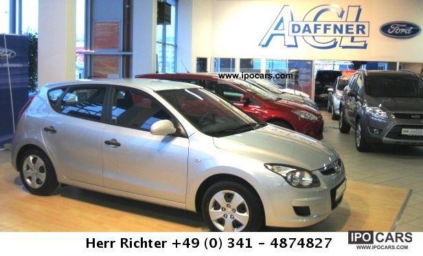 2010 Hyundai  i30 1.4 Comfort 5-door / air / ZV with FFB Limousine Used vehicle photo