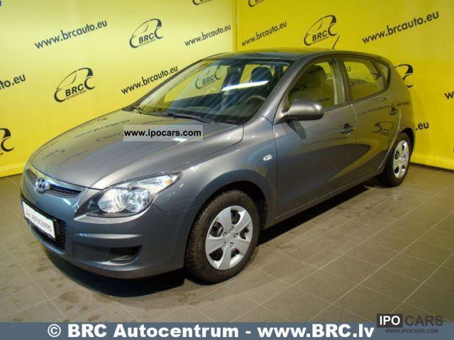 2010 Hyundai  i30 Estate Car Used vehicle photo