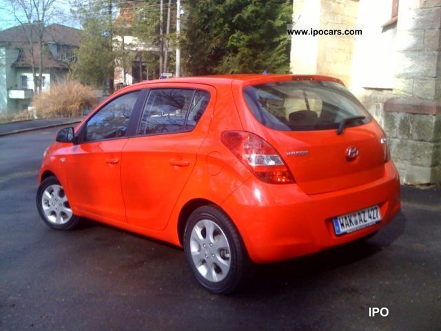 2010 hyundai i20 1 4 comfort car photo and specs. Black Bedroom Furniture Sets. Home Design Ideas