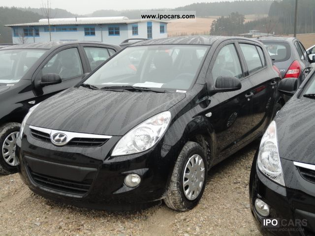 2012 Hyundai  i20 Life Limousine Employee's Car photo