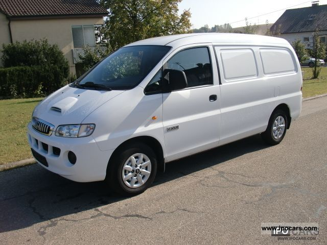 2007 Hyundai  H1 white, green sticker, 3 seater, 103KW / 140HP Van / Minibus Used vehicle photo