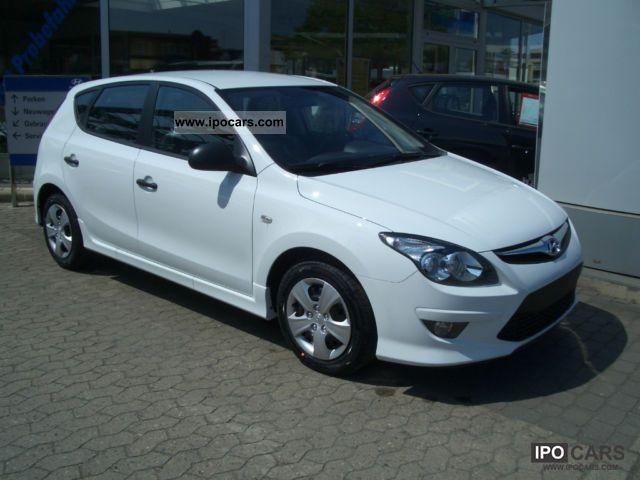 2011 Hyundai  i30 1.4 Entry Edition FL - arrived again! Limousine New vehicle photo