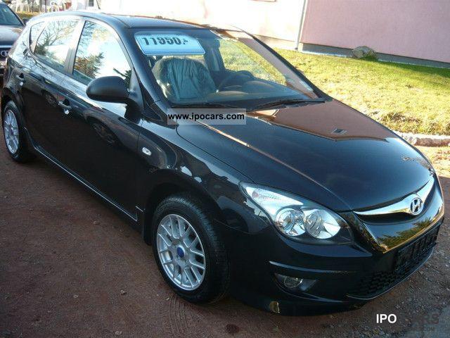 2011 Hyundai  i30 1.4 5J.Garantie/EU5/Klima/RCD-MP3/6xAirbag! Limousine New vehicle photo