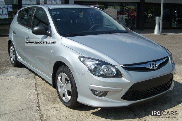 2011 Hyundai  i30 1.4 Classic / Klima/EURO5 Limousine New vehicle photo