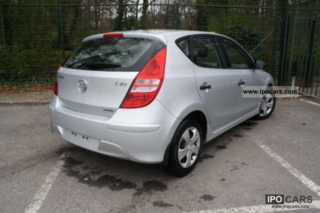2011 Hyundai  i30 1.4 / 109hp 5-speed Small Car New vehicle photo