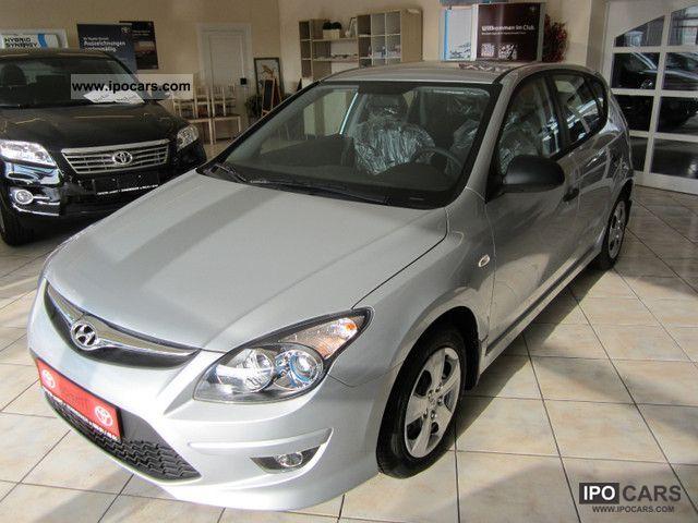 2011 Hyundai  i30 1.4 Air conditioning Radio CD Limousine New vehicle photo