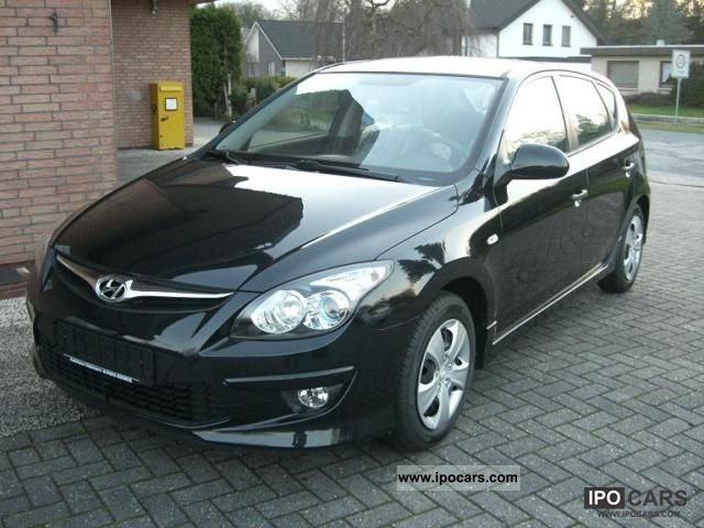 2011 Hyundai  i30 1.4 \ Limousine New vehicle photo