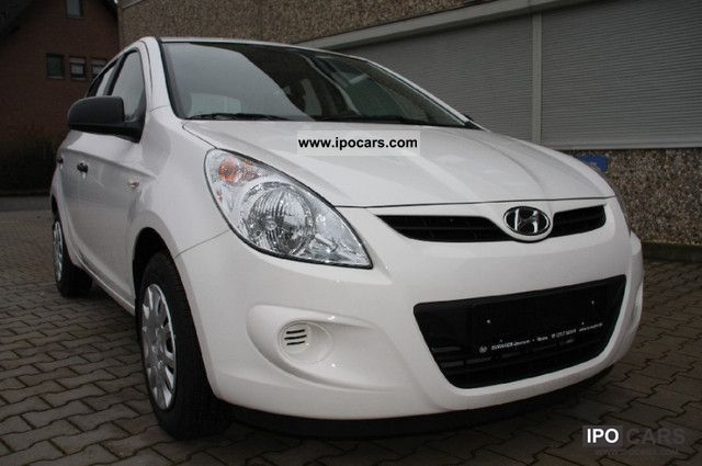 2012 Hyundai  i20 1.4 Comfort Automatic Small Car Used vehicle photo