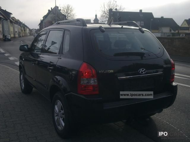 2008 Hyundai  Tucson 2.0, automatic air conditioning, trailer hitch Off-road Vehicle/Pickup Truck Used vehicle photo