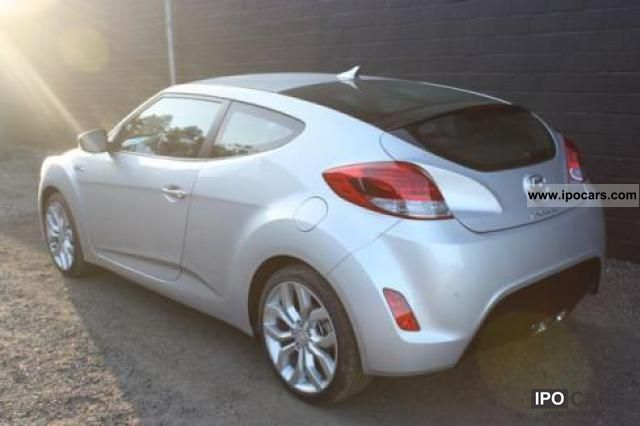 2011 Hyundai  Veloster 1.6 / 140hp GDI + PDC AIR START / STOP ... Sports car/Coupe New vehicle photo