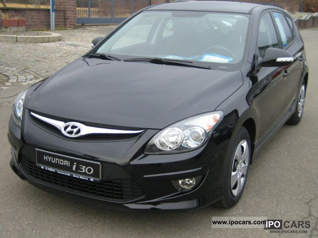 2006 Hyundai  i30 1.4 Edition Package 20 additional 5-year warranty Limousine New vehicle photo