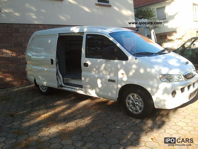 2007 Hyundai  H 1 DF Van / Minibus Used vehicle photo