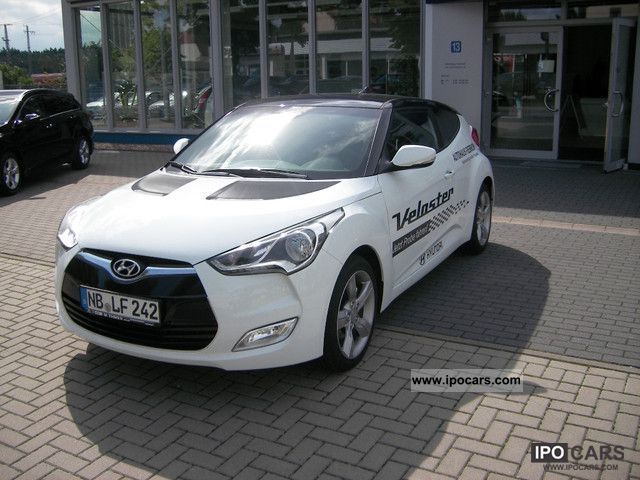 2011 Hyundai  Veloster 6.1 GDI Style with Technology Package Sports car/Coupe Used vehicle photo