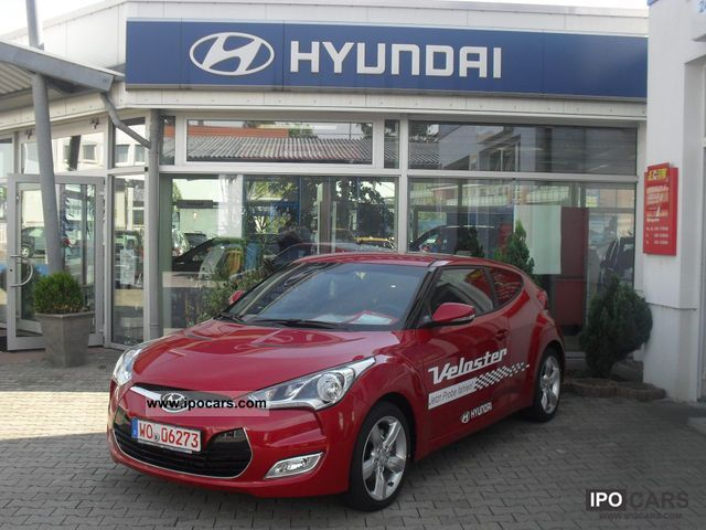 2011 Hyundai  Veloster Style + Technology / Navi Sports car/Coupe Used vehicle photo