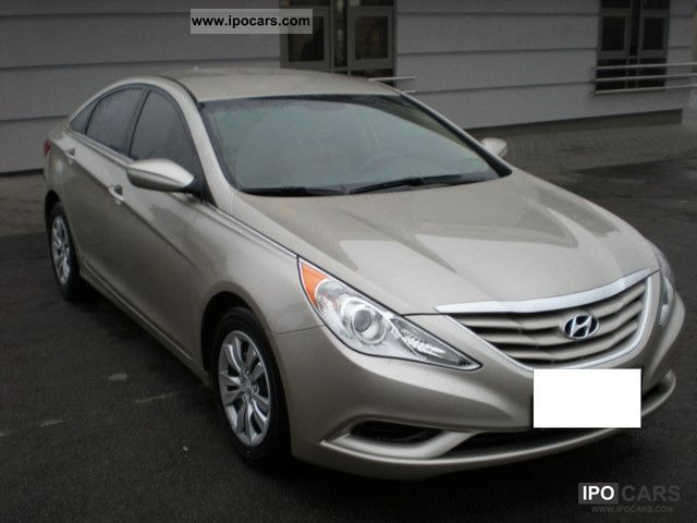 2010 Hyundai  Sonata Limousine Used vehicle photo