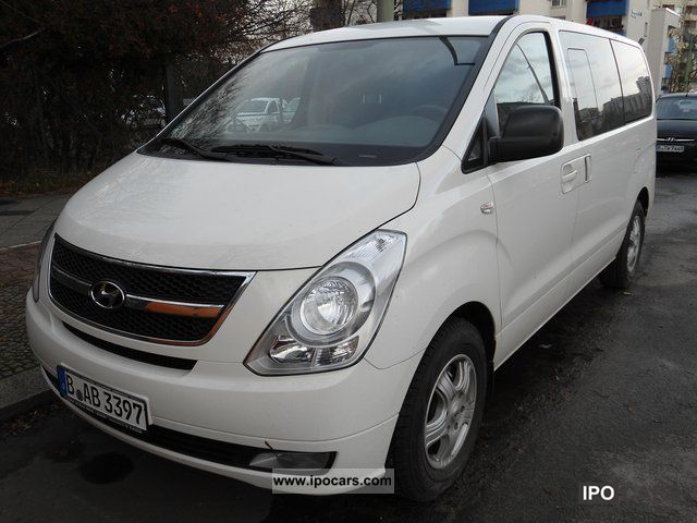 2011 hyundai h 1 premium travel car photo and specs. Black Bedroom Furniture Sets. Home Design Ideas