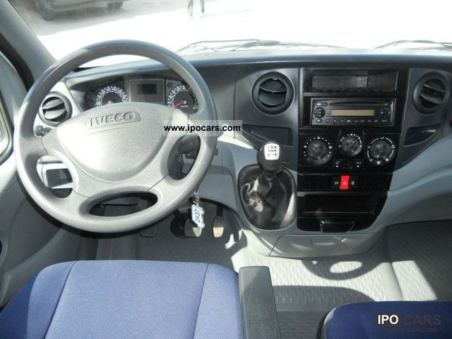 iveco daily   crewcab car photo  specs