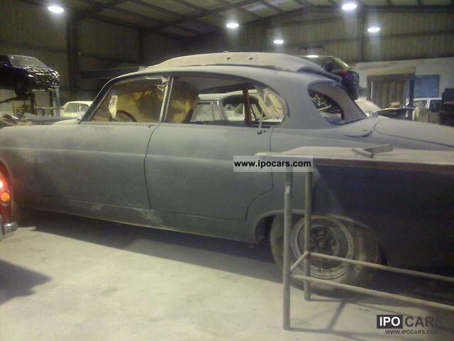1964 Jaguar  MK X MK 10 Limousine Used vehicle photo
