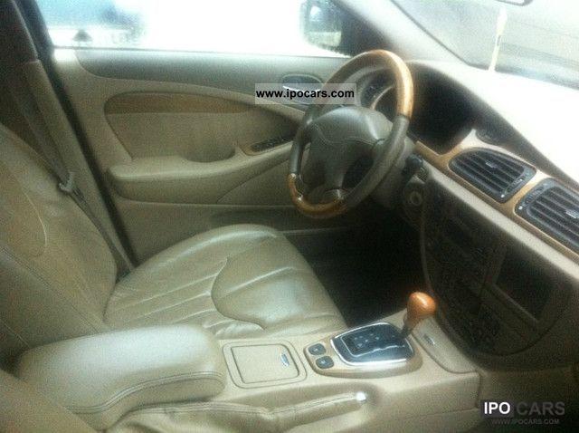 2001 Jaguar S-Type 4.0 V8  Limousine Used vehicle photo 3