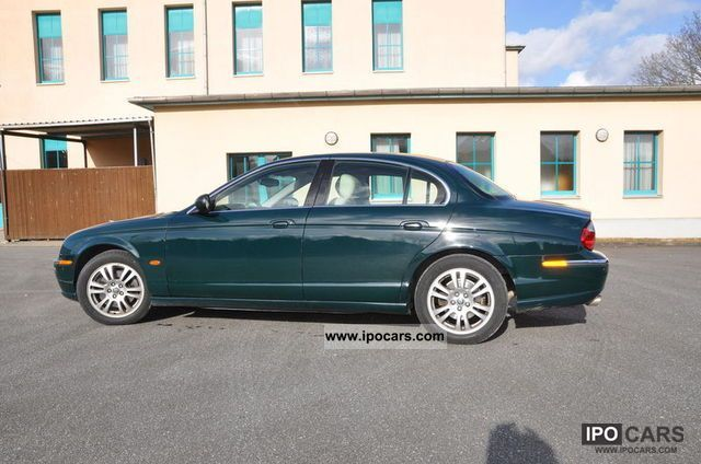 2002 Jaguar S-Type 4.2 V8 Executive Limousine Used vehicle photo 2