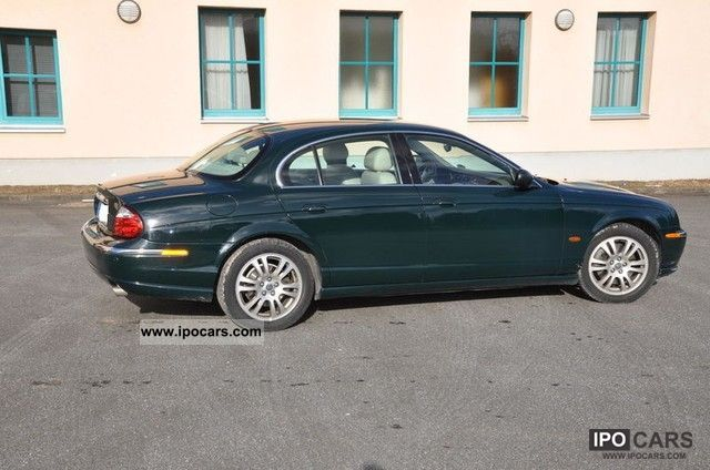 2002 Jaguar S-Type 4.2 V8 Executive Limousine Used vehicle photo 3