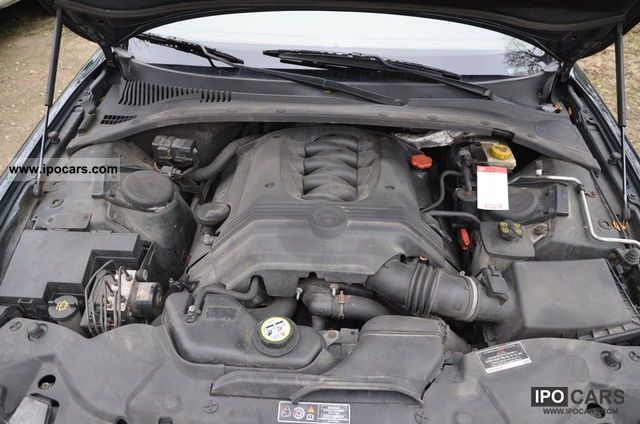 2002 Jaguar S-Type 4.2 V8 Executive Limousine Used vehicle photo 4