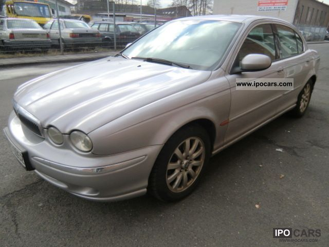 2001 Jaguar  X-Type 2.5 V6 4x4 Limousine Used vehicle photo