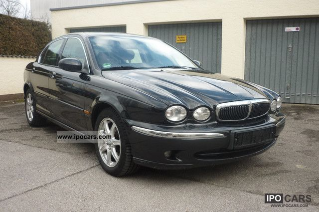 2003 Jaguar X-Type 2.0 V6 Leather Limousine Used vehicle photo