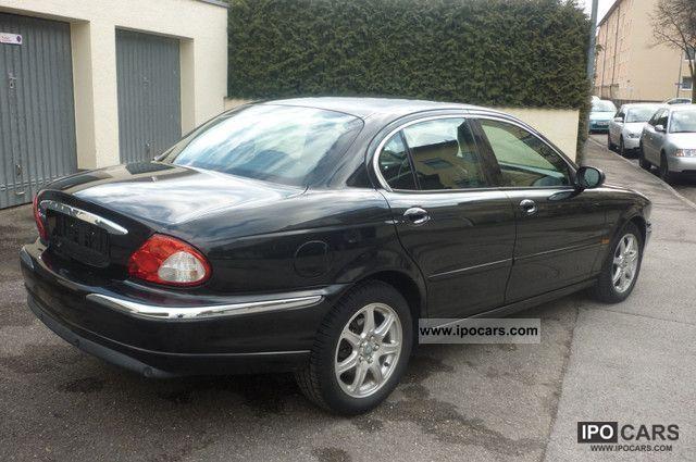 2003 Jaguar X-Type 2.0 V6 Leather Limousine Used vehicle photo 3