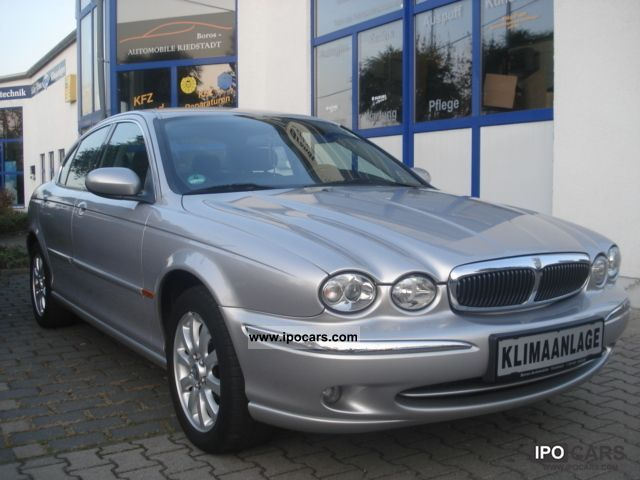 2003 Jaguar  X-Type 2.5 V6 4x4 all-wheel Limousine Used vehicle photo