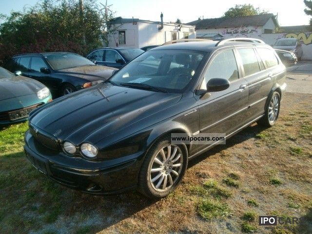 2004 Jaguar  X-Type 2.5 V6 Executive Estate Estate Car Used vehicle photo