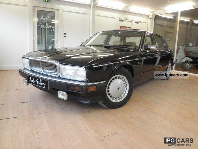 1992 Jaguar  A 4.0 XJ6 VANDEN PLAS Limousine Used vehicle photo