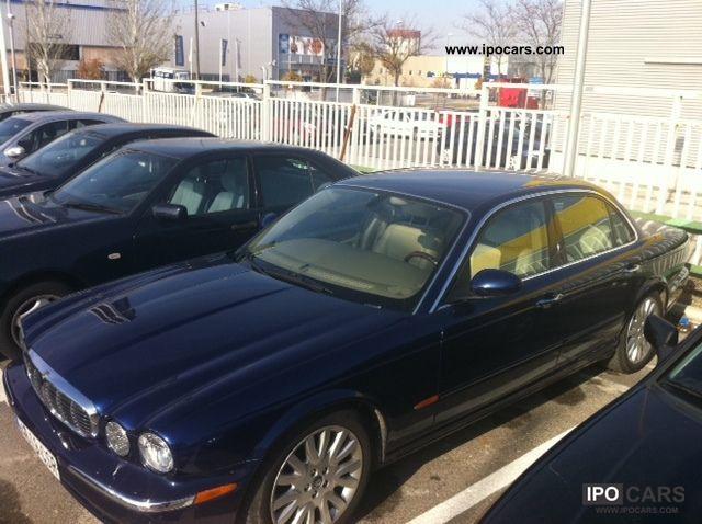 2004 Jaguar XJ8 3.5 Limousine Used vehicle photo 1