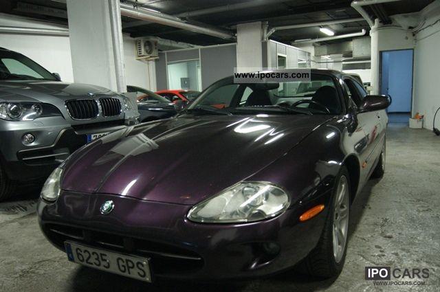1999 Jaguar  XK8 Coupe Sports car/Coupe Used vehicle photo