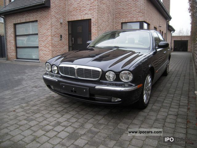 2004 jaguar xj8 4 2 car photo and specs. Black Bedroom Furniture Sets. Home Design Ideas
