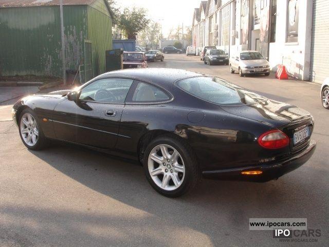 2000 jaguar xk8 4 0 coupe car photo and specs. Black Bedroom Furniture Sets. Home Design Ideas