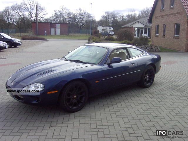Great 1998 Jaguar XKR Coupe Sports Car/Coupe